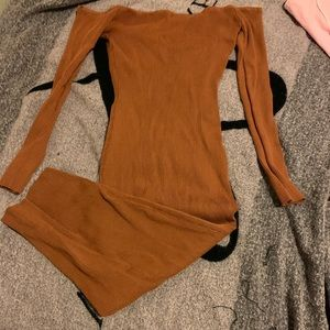 Pencil dress it's long and backless